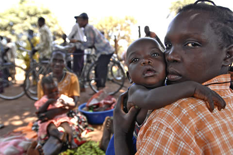 Civilians in Southern Sudan displaced by fighting