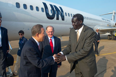 Secretary-General Ban Ki-moon is met by Southern Sudan Government Minister Deng Alor Kuol