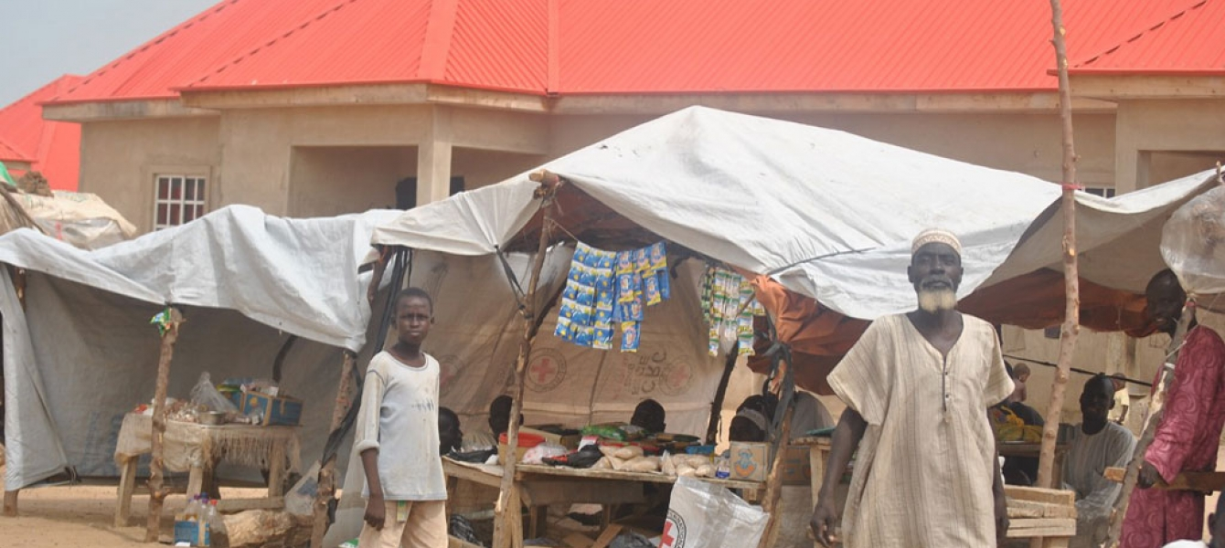 Some IDPs in Gubio camp, Maiduguri in northeastern Nigeria have started small businesses in order to try to make a living while displaced from Boko Haram-related violence. Photo: OCHA/Fragkiska Megaloudi
