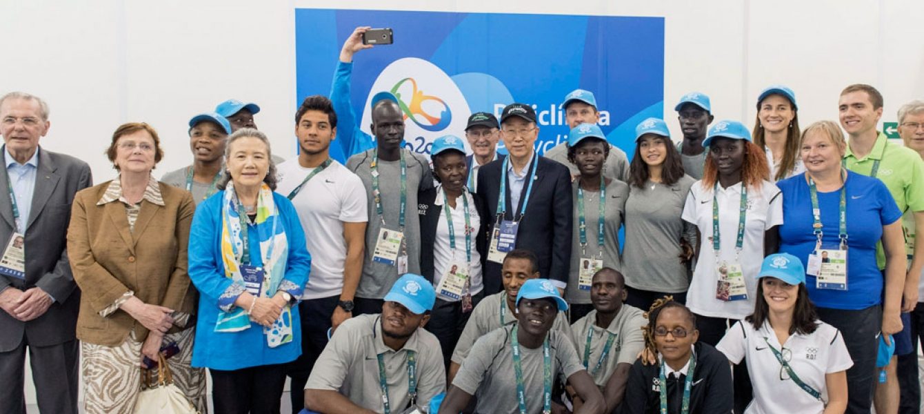 Secretary-General Ban Ki-moon (centre) meets with the Olympic Refugee Team at the Olympic UN Photo/Mark Garten