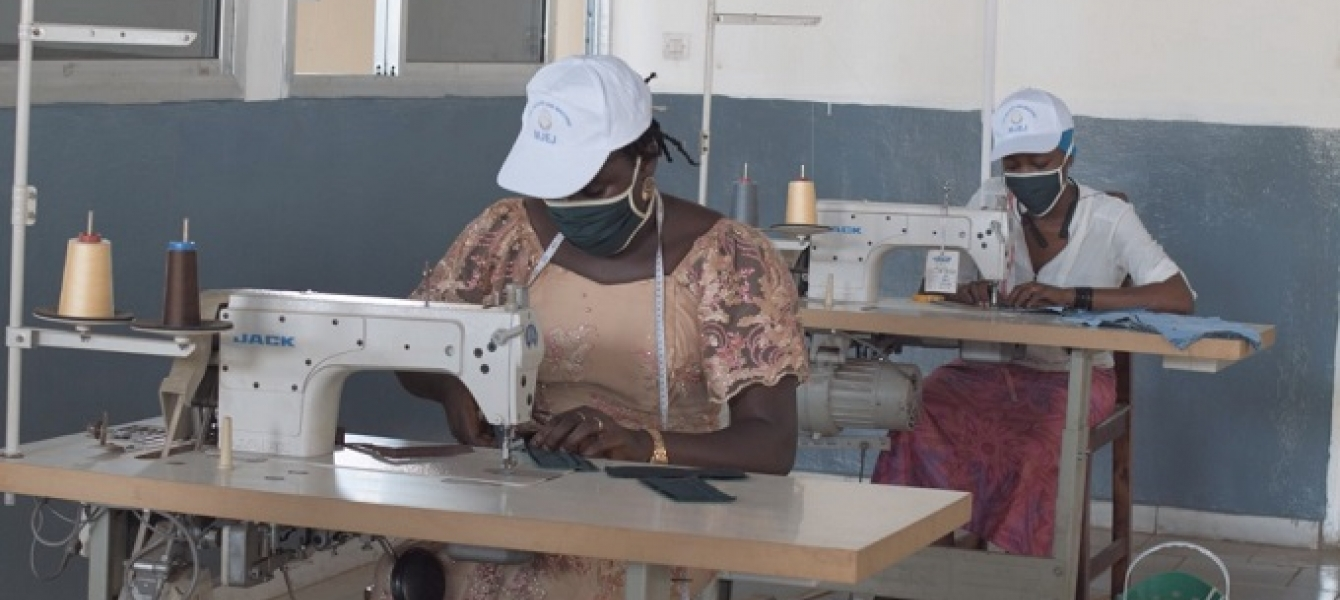 Young tailors in Guinea offer a new product to step up safety measures to contain coronavirus infections.