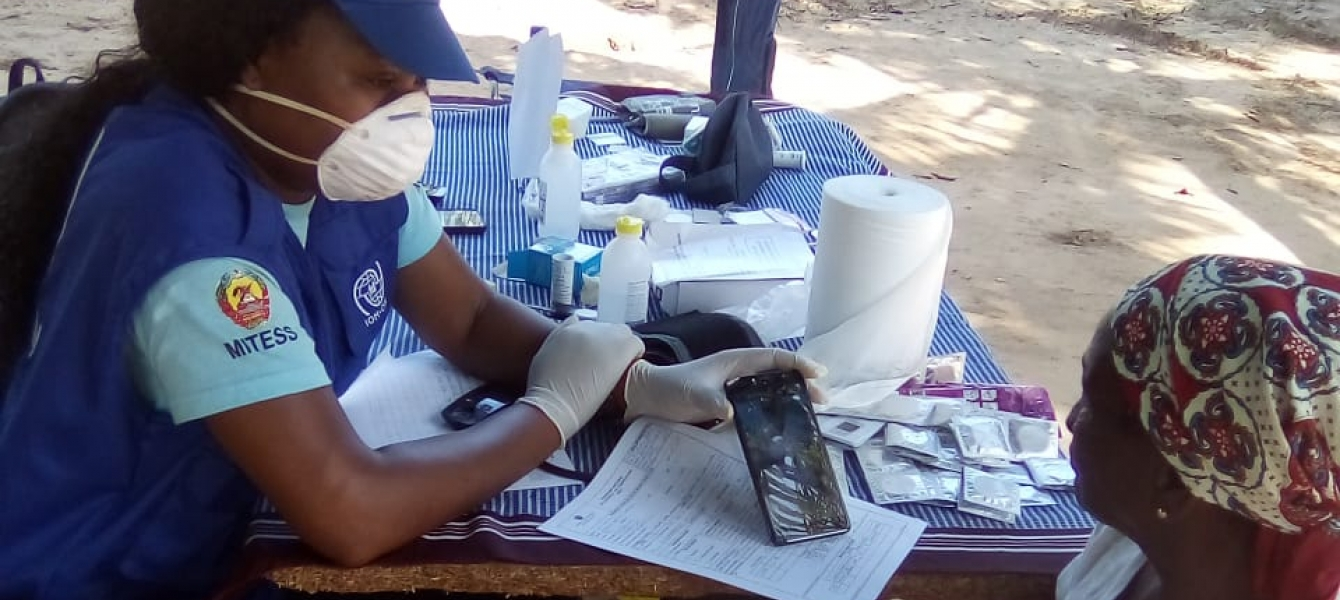 IOM Mozambique conducts screening of migrant worker and miner communities for tuberculosis, HIV, hypertension and diabetes, Massinga, Inhambane Province.