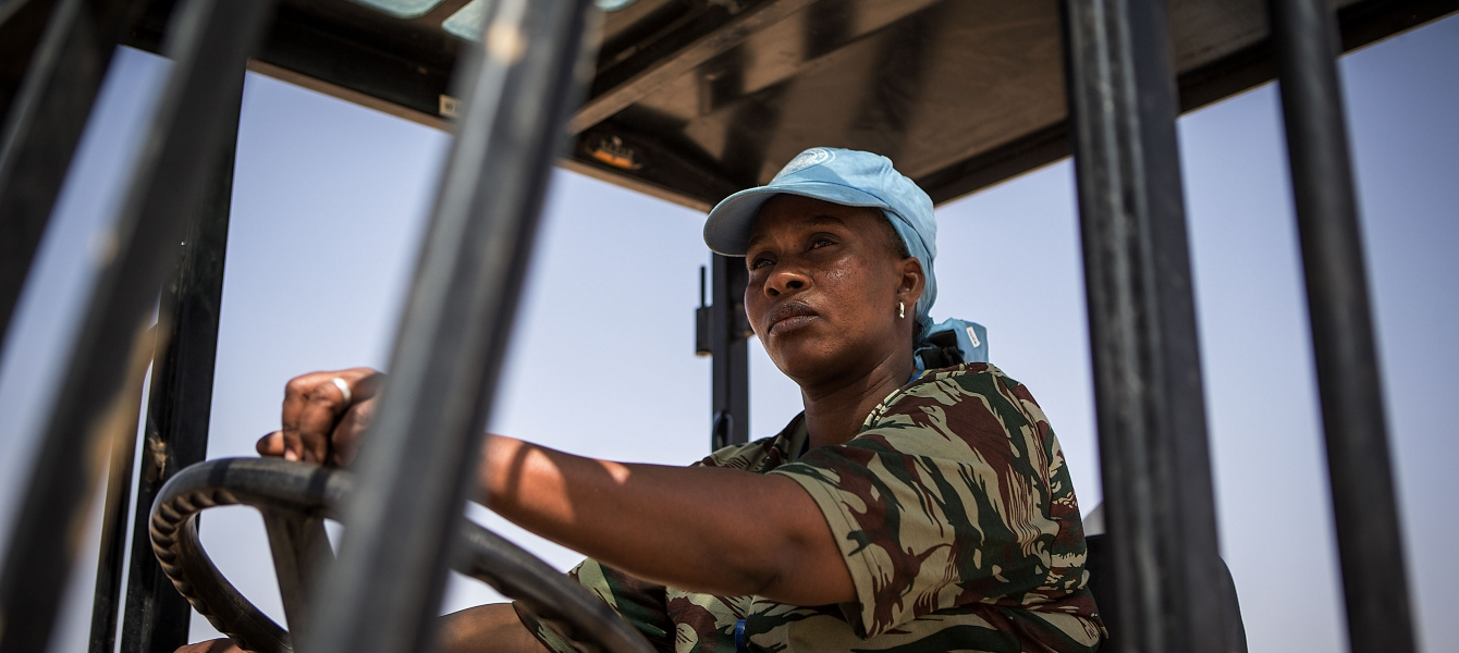 A peacekeeper on the UN base in Kida, Mali, where they ensure the security of the civilian population.