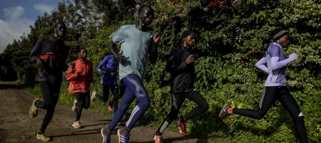 Refugee runners in Kenya train to qualify for the 2016 Olympics in Rio.   © UNHCR/Benjamin Loyseau