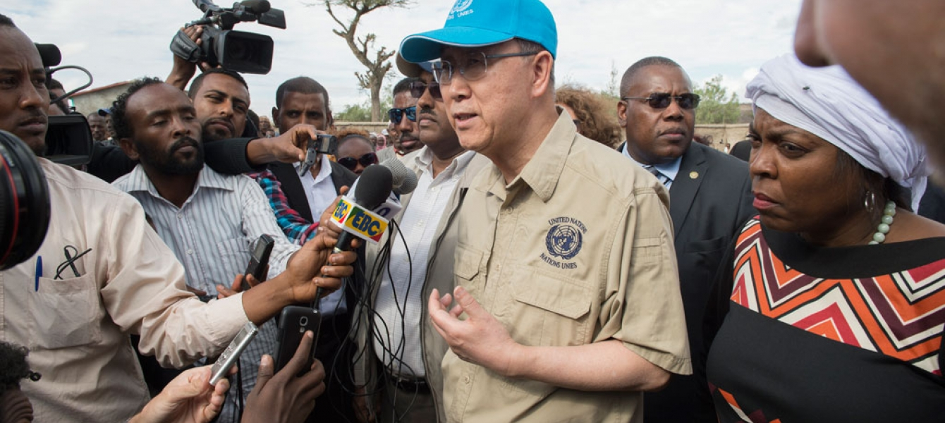 United Nations Secretary-General Ban Ki-moon (centre), accompanied by World Food Programme (WFP) Executive Director Ertharin Cousin (right), visited drought-affected Ziway Dugda Woreda, Oromia Region in Ethiopia. UN Photo/Eskinder Debebe