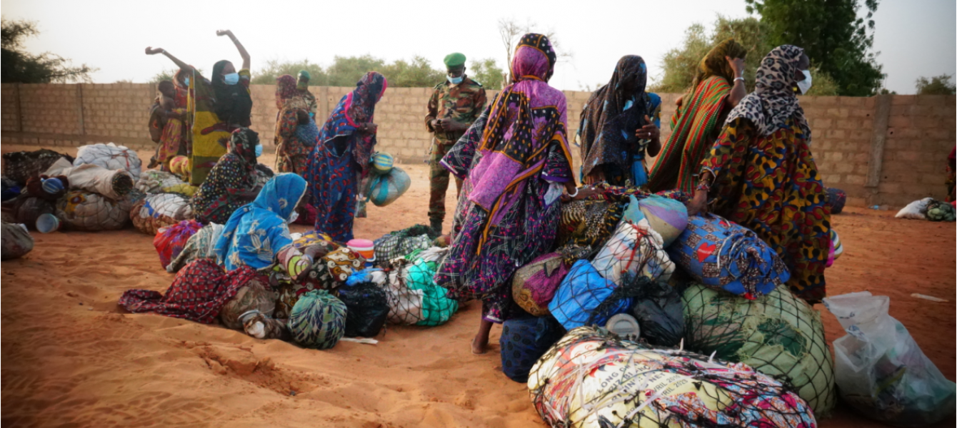Due to the border closures decreed by governments to prevent the spread of COVID-19 across West Africa, at least 30,000 migrants are stranded at borders.