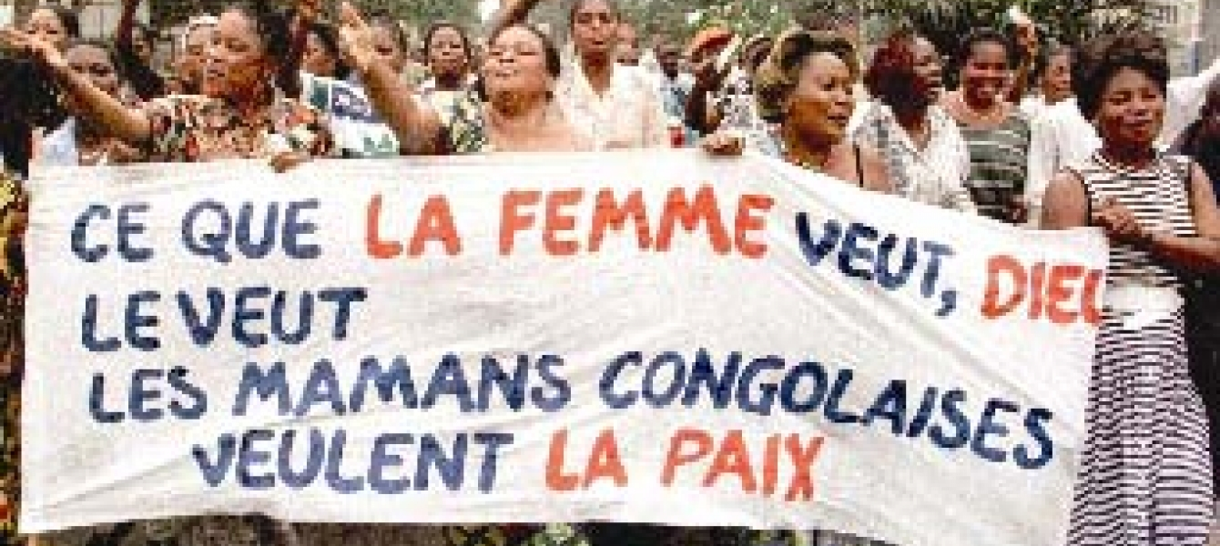 "Women march for peace in Kinshasa, Democratic Republic of Congo: ""What women want, God wants. Congolese mothers want peace.""  Photo: ©UNIFEM"