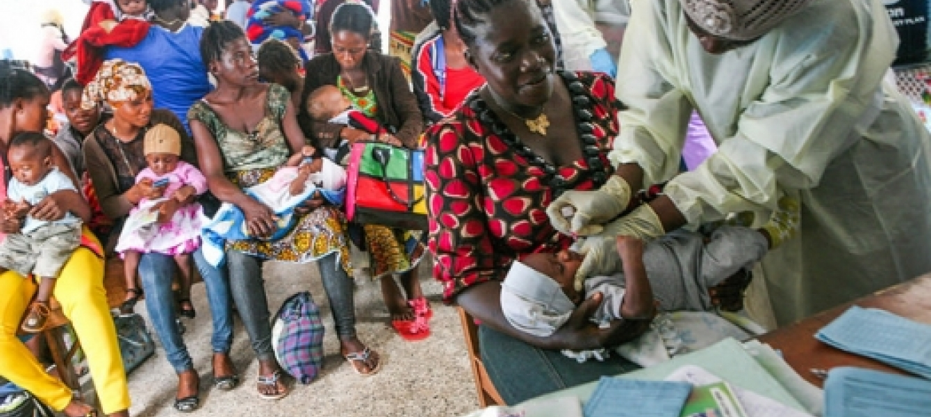 Vaccination campaign in Liberia. Photo: UNMEER/Aalok Kanani
