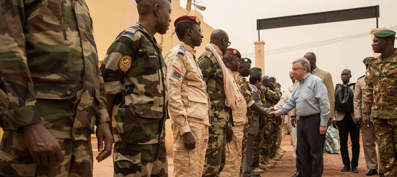 UN Photo/Marco Dormino UN Secretary-General António Guterres welcomed by General Didier Dacko, G5 Sahel Joint Force Commander and other Malian Armed Forces (FAMA) officials, as he arrives at the G5 Sahel Joint Force Headquarters in Mopti, Mali.