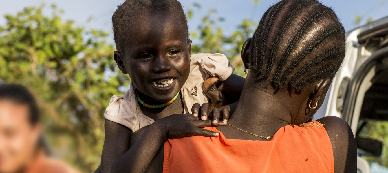 A mother and her daughter in South Sudan.
