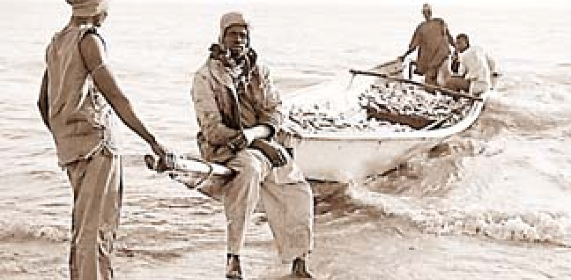 Livelihoods of Senegalese fishermen are threatened by depletion of fish stocks, in part by European trawlers.  Photo : ©United Nations