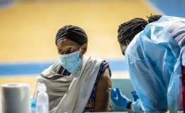 Limited supplies slow COVID-19 vaccination in Africa