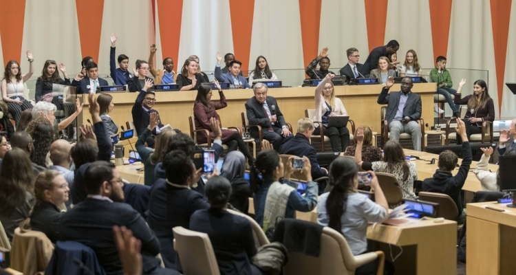"""António Guterres interacts with young people at a UN75 Dialogue with youth on the theme """"Youth in the Driving Seat"""", in January 2020."""