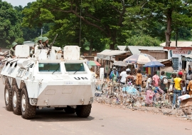 Peacekeepers serving with the UN Multidimensional Integrated Stabilization Mission in the Central African Republic (MINUSCA) on patrol in Bambari. UN Photo/Catianne Tijerina