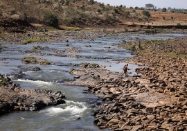 The shrinking Gilgel Abbay River, Amhara region, Ethiopia. Photo: Panos/ Petterik Wiggers