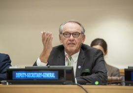Deputy Secretary-General Jan Eliasson addresses the High-Level briefing by African Regional Economic Communities to Member States of the United Nations. UN Photo/Cia Pak