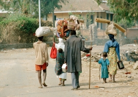Rwandan refugees, who fled the genocide, returning in July 1994 from Goma, Zaire, (now the Democratic Republic of Congo, DRC). UN Photo/John Isaac