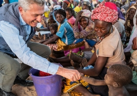 UN High Commissioner for Refugees Filippo Grandi meets internally displaced people in Burkina Faso's Centre-North region.