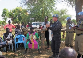 Discussion between community members and police