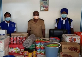 Last week, IOM provided food and hygiene kits to 13 stranded migrants.