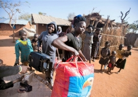 Refugees from South Kordofan arrive in Ajuong Thonk. Photo: Albert González Farran/IRIN