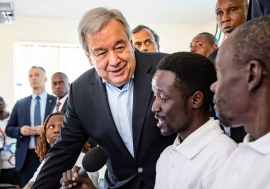 UNEP/Duncan Moore Secretary-General António Guterres visits a Training Centre in Kamakunji, Kenya, and talked to youth about countering violent extremism, and preventing radicalization.