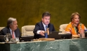 Miroslav Lajčák (centre), President of the 72nd session of the General Assembly, gavels open the session's first meeting. He is flanked by Secretary-General António Guterres (left) and Catherine Pollard, Under-Secretary-General for General Assembly and Co