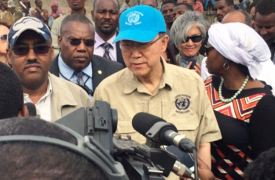 Secretary-General Ban Ki-moon sees the impact of drought and El Nino for himself, on a field trip to the Oromia region of Ethiopia. Credit: WFP Media.