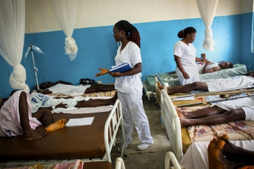 Nurses attending to patients at a hospital in Monrovia, Liberia. Photo credit: Panos/ Robin Hammond