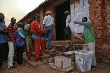 Voters in the Central African Republic (CAR) went to the polls on 30 December 2015. Photo: MINUSCA