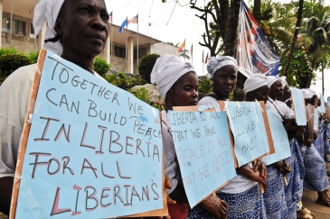 Liberian women promote messages of peace and non-violence during the 2011 elections in Liberia. Photo: UN Photo/Emmanuel Tobey