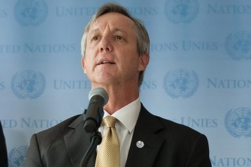 On the eve of his departure for Ghana to begin work at the helm of the UN's new Mission for Ebola Emergency Response (UNMEER), mission chief Anthony Banbury speaks with the UN press corps in New York. UN Photo/Yubi Hoffmann
