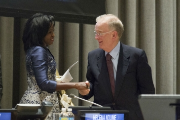 The two laureates, Helena Ndume of Namibia and Jorge Fernando Branco Sampaio of Portugal. Photo: UN/Rick Bajornas