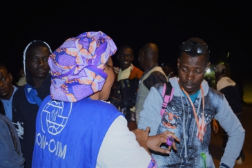 More than 500 passengers from the first of eight charter flights scheduled from Libya to Niger arrived on Wednesday 6 December. Photo: UN Migration Agency (IOM)