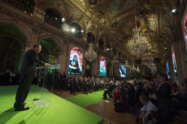 UN Secretary-General Ban Ki-moon addresses a summit of local leaders at the  climate change conference in Paris. Photo: UN Photo/Eskinder Debebe