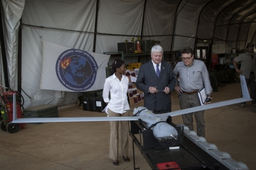 UN Under-Secretary-General for Peacekeeping Operations Hervé Ladsous (centre) tours the Dutch camp of the UN Mission in Mali. Photo: UN Photo/Marco Dormino