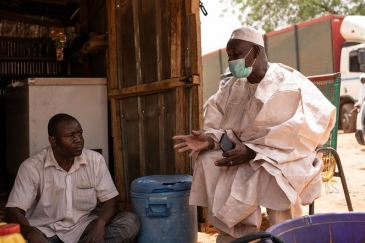 Two inhabitants of Niamey, the capital of Niger.