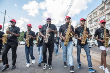 Musicians perform on the streets of Maputo, Mozambique, on International Jazz Day 2019. Photo:Mauro Vombe