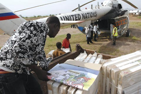 UN helicopter delivers voter registration materials to Torit, in southern Sudan, in advance of the referendum