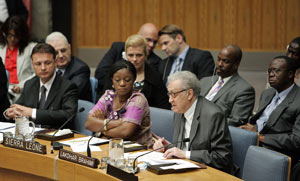 Lakhdar Brahimi, Chairman of the Independent Panel on the Safety and Security of the United Nations Personnel and Premises around the world, addresses a Security Council meeting in 2008.
