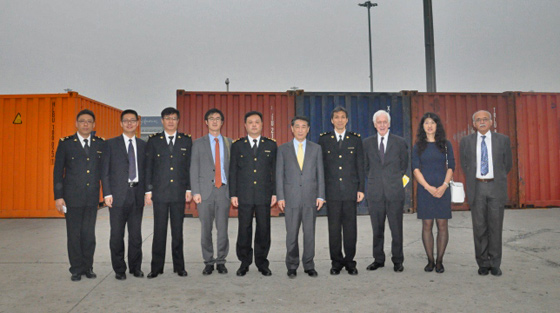 Photo of Ambassador Oh Joon, Chair of the 1540 Committee and the delegation visited Tianjin New Port on 23 October during the Committee's visit to China.
