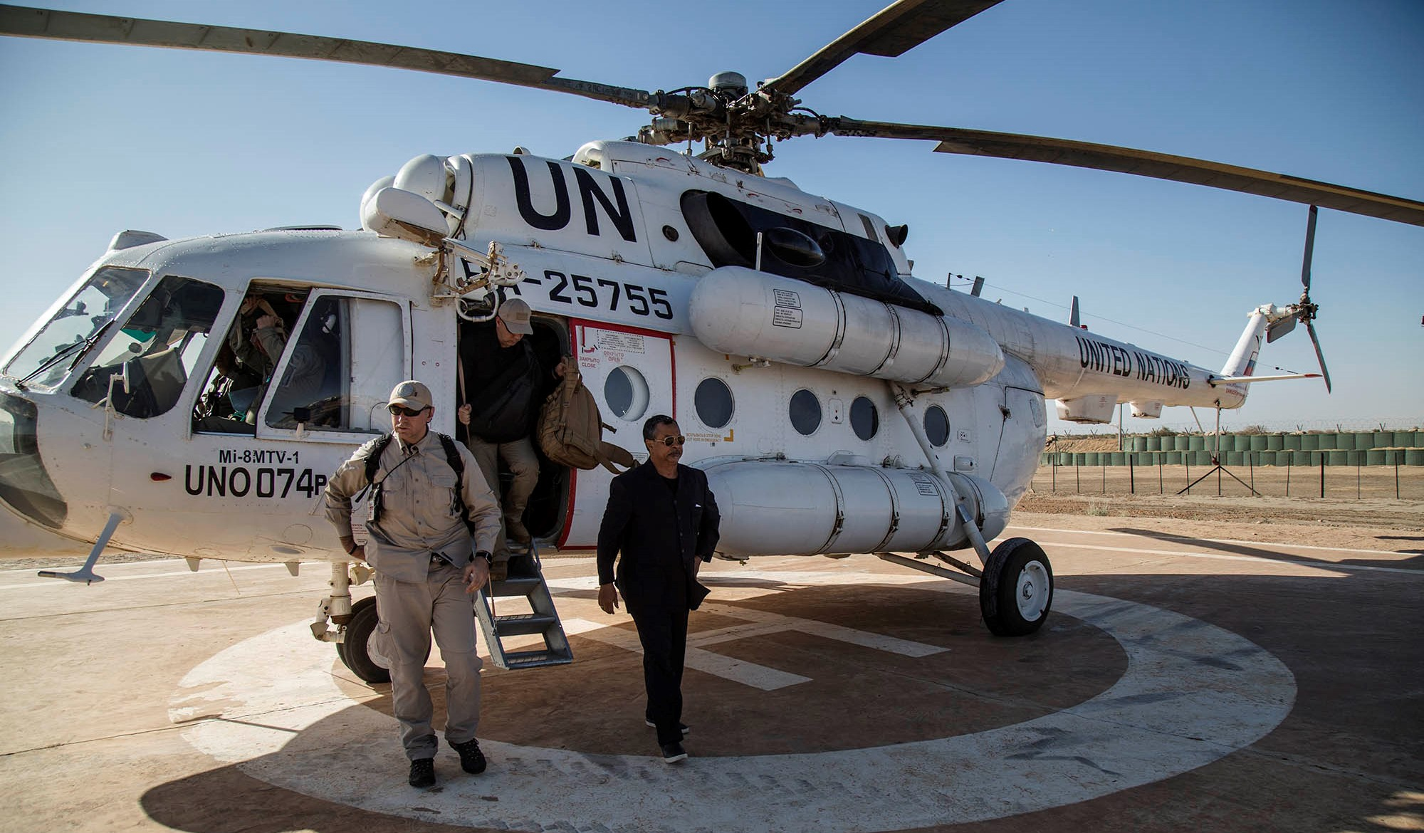 Annadif Mahamat Saleh, Special Representative of the Secretary-General, visits camp Ber 12.  By UN Photo: MINUSMA