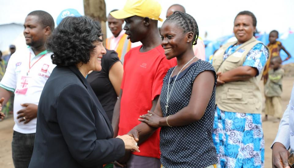 Leila Zerrougui greets children during her visit to Ituri and North-Kivu Provinces of DR Congo. Photo UN/MONUSCO