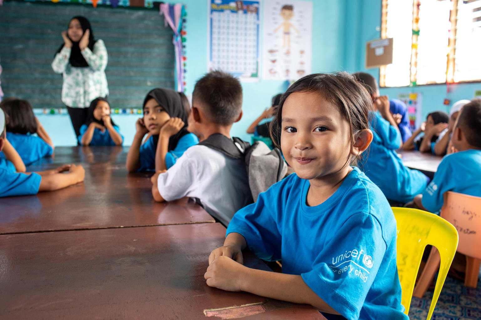 Displaced in 2017 after the fighting in Marawi (Philippines), Janna now attends class with UNICEF support in Mindanao.