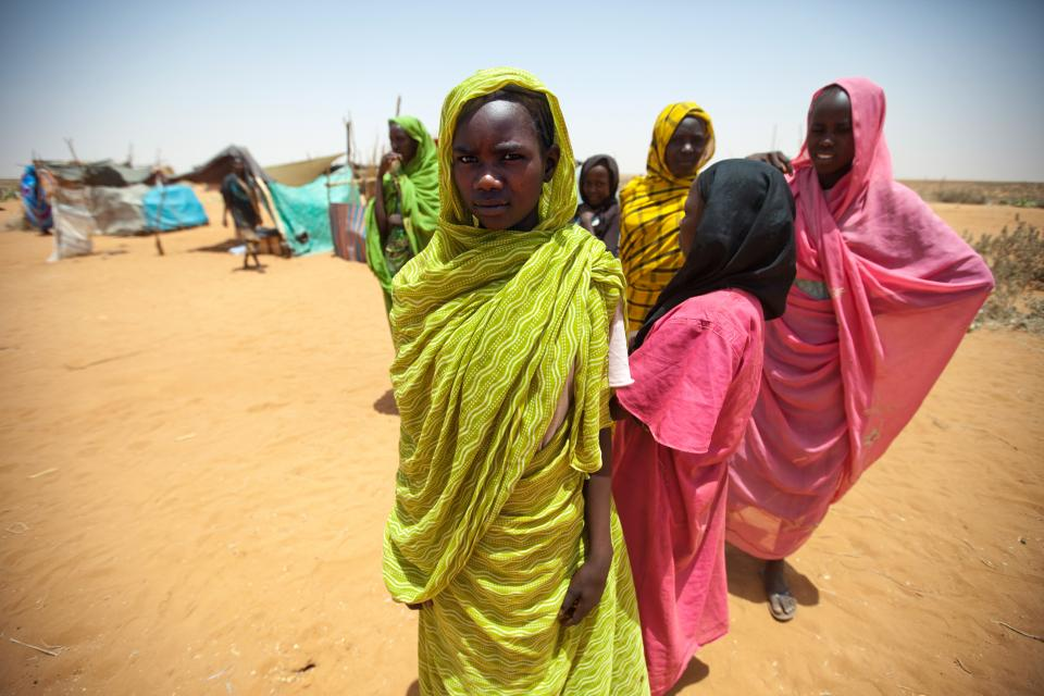 Young women residing at the Zam Zam camp for internally displaced persons (IDPs) in North Darfur. 2013. UN Photo/Albert González Faran