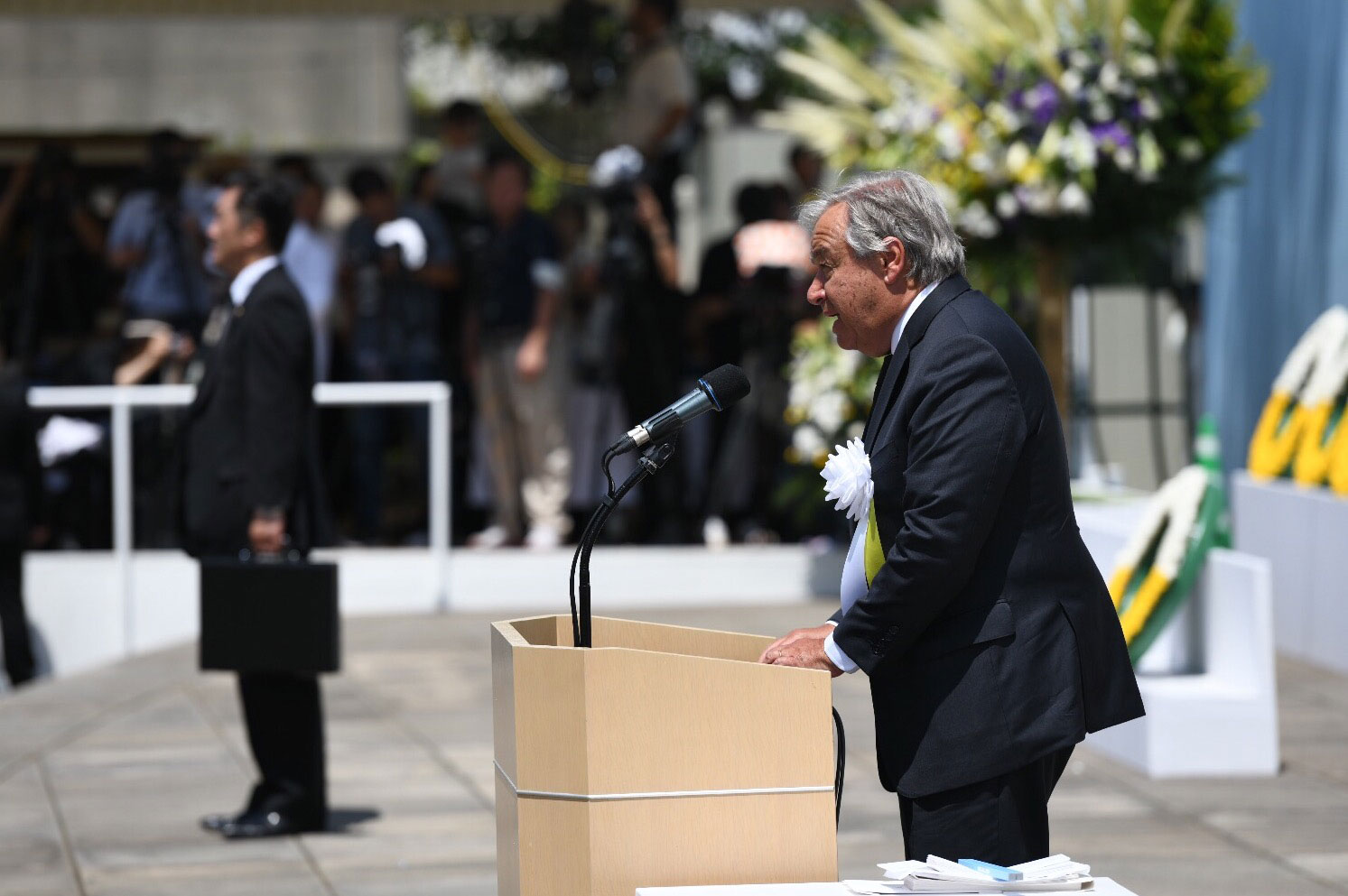 Secretary-General António Guterres delivers remarks at the Nagasaki Peace Memorial ceremony.  UN Photo/Dan Powell
