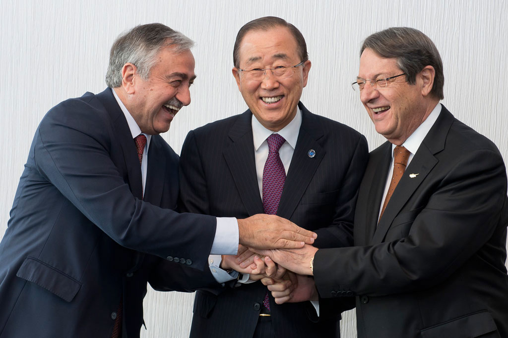 Secretary-General Ban Ki-moon (centre) meets with Mustafa Akinci, Leader of the Turkish Cypriot Community (left), and Nicos Anastasiades, President of the Republic of Cyprus (right). UN Photo/Jean-Marc Ferré