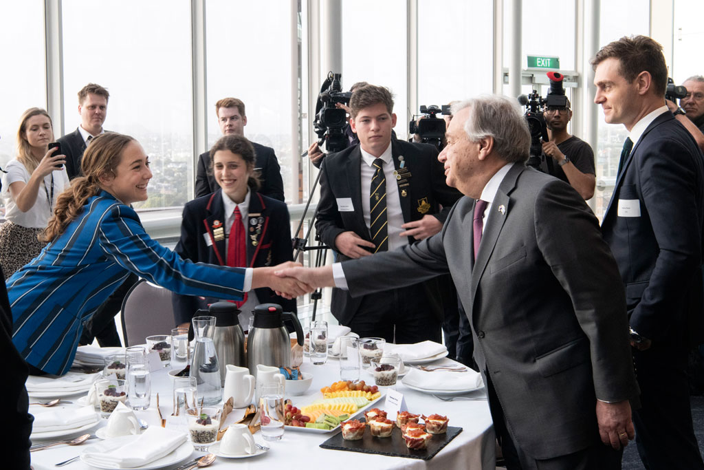 Secretary-General António Guterres (2nd right) greets a participant at an event with Māori and Pasifika climate and environmental change youth leaders, hosted by James Shaw, Minister for Climate Change of New Zealand. UN Photo/Mark Garten