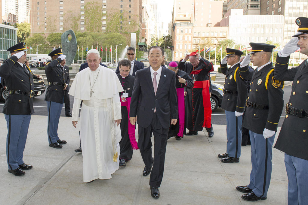 Secretary-General Ban greets Pope Francis as he arrives at United Nations Headquarters in New York. UN Photo/Mark Garten