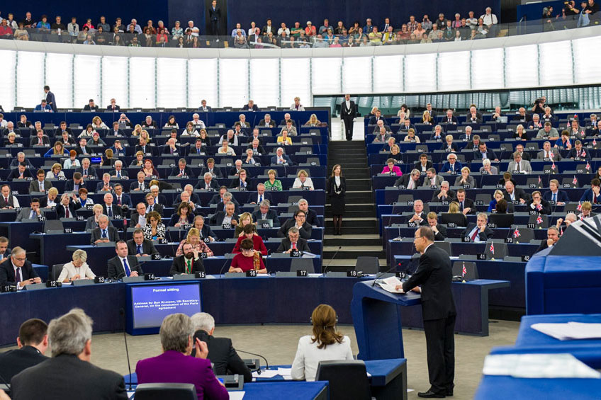 Secretary-General Ban Ki-moon addresses a session of the European Parliament during which parliamentarians voiced their support for the speedy ratification of the Paris Agreement on climate change. UN Photo/Rick Bajornas